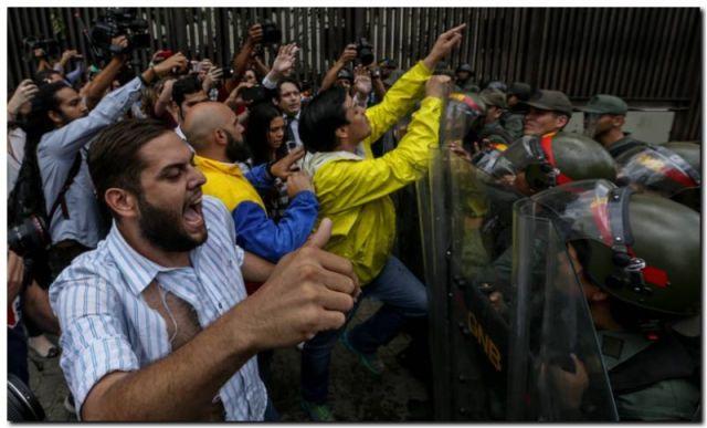 VENEZUELA: La oposición denuncia un golpe de Estado
