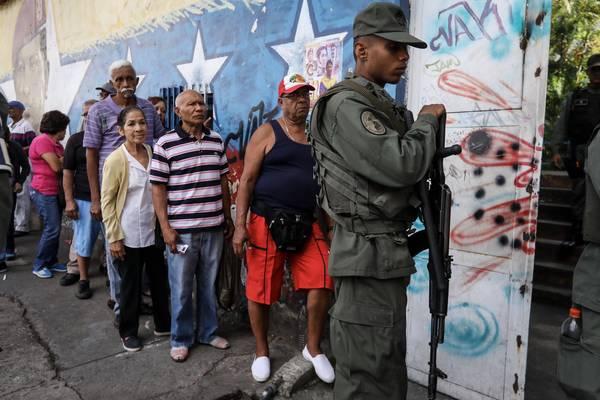 VENEZUELA: Decenas de miles votan contra Constituyente