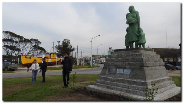 NECOCHEA: Se presentó en sociedad el restaurado monumento a la Familia del Pescador