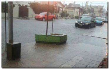 NECOCHEA: Las fuertes tormentas provocaron cortes de luz y auto evacuados