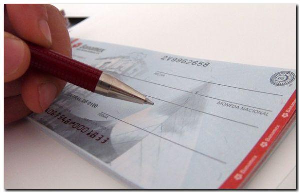 ECONOMÍA: Fin de impuesto al cheque se anuncia antes de octubre