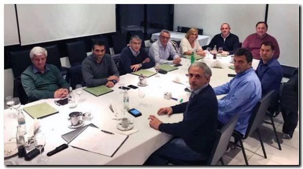 ELECCIONES 2017: Sergio Massa reunió a los intendentes de 1País