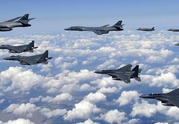 EL MUNDO: Bombardeos simulados de jets de EEUU