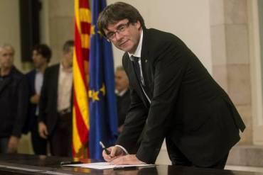 CATALUÑA: Puigdemont avisa podría proclamar independencia