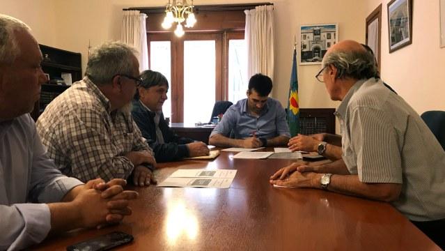 NECOCHEA: Asfalto de Av. 75. López firmó contratos para nuevas obras
