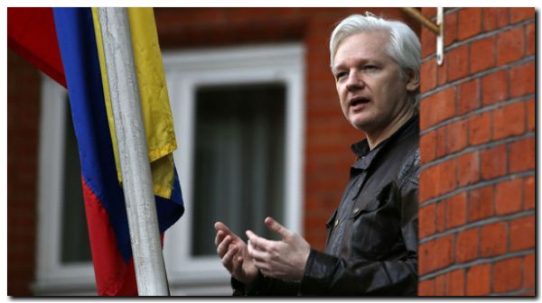 Tribunal en Ecuador retira nacionalidad a Assange