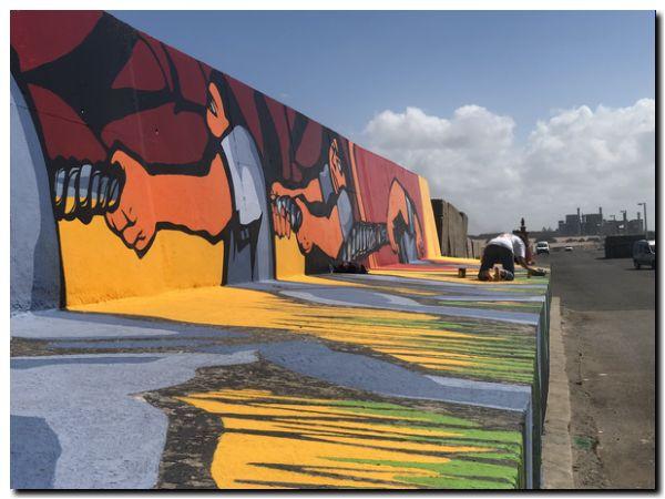 PUERTO QUEQUÉN: Restauración del mural