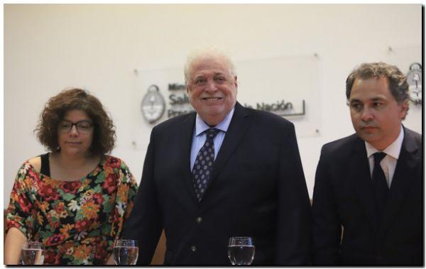 González García afirmó que los expertos aconsejan prorrogar la cuarentena