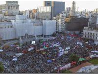 Miles de mujeres reclamaron frente al Congreso la inmediata legalización del aborto