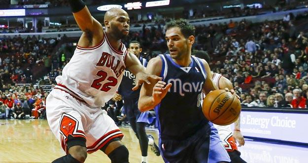 Bulls aplastan a los Lakers