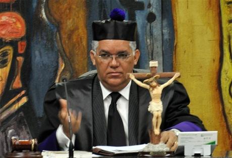 Juez Soto declina conocer medidas cautelares contra bienes de senador Bautista