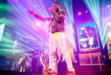Romeo Santos se corona como el artista latino del año de Billboard