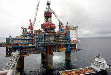Se desploma cada vez más el precio del petróleo