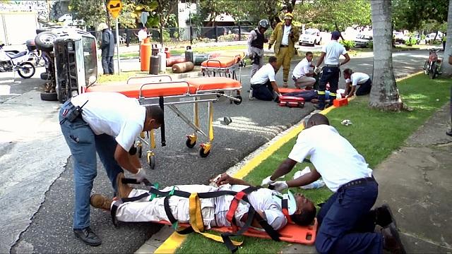 Entrenarán personal de Salud Pública para el 911 en el 2015