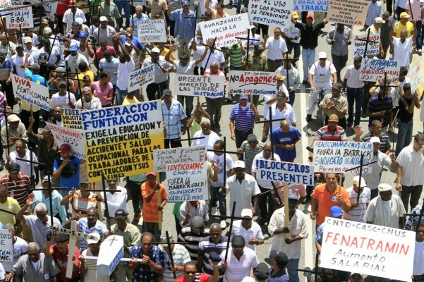 Centrales sindicales reiteran no negociarán la cesantía laboral