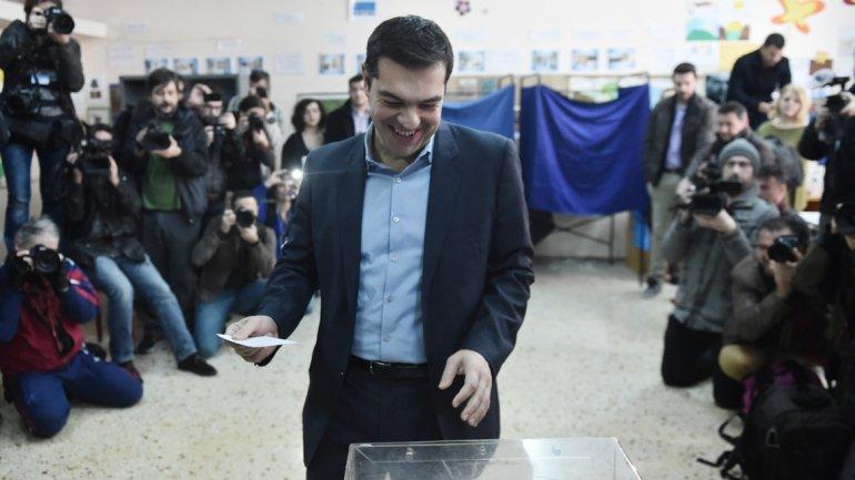 Syriza gana en Grecia con mayoría absoluta