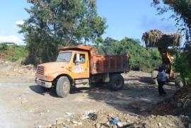 Obras Públicas dice en una semana rehabilitará acceso al vertedero San Cristóbal