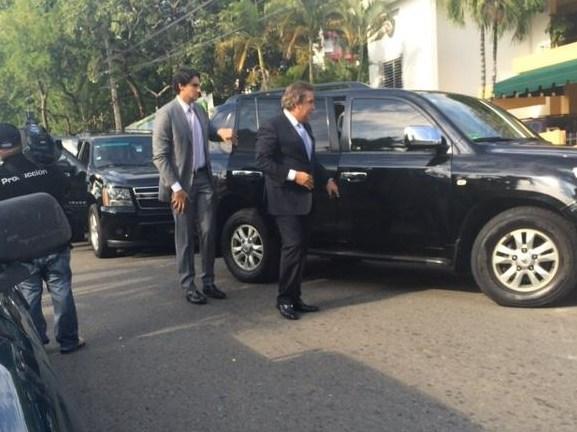 Senadores y diputados reunidos con Leonel y Félix Bautista