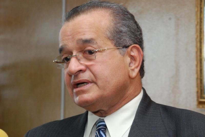 Almeyda dice que Quirino sacó cédula dominicana en Nueva York