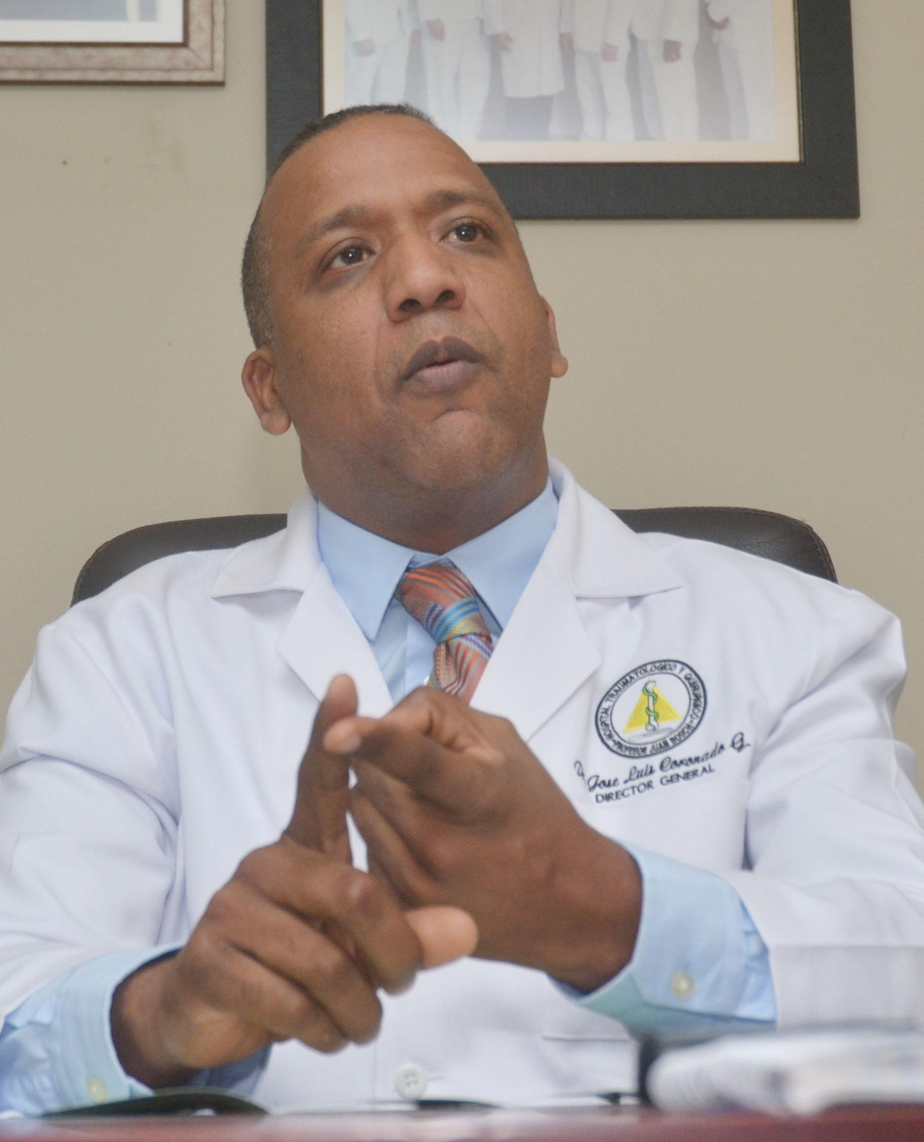 Director del hospital Juan Bosch desmiente estén cancelando personal