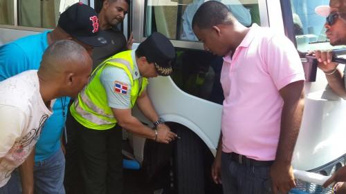 AMET inicia inspección de autobuses para prevenir accidentes en Semana Santa