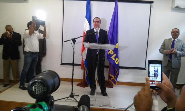 Francisco Javier García anuncia su apoyo a la reelección del presidente Medina