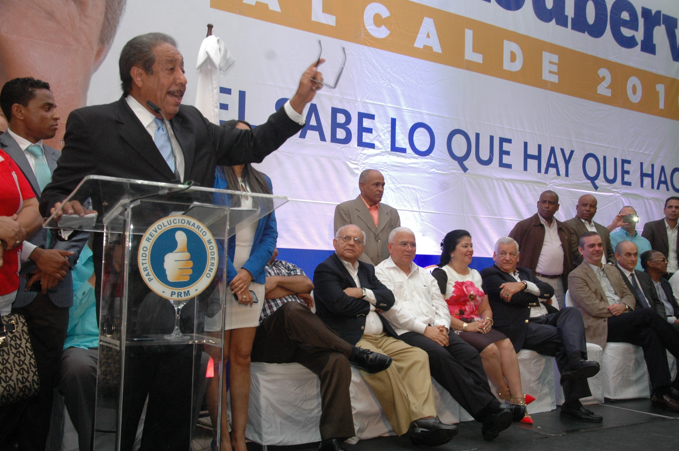 Fello Suverbí lanza candidatura por alcaldía del Distrito Nacional