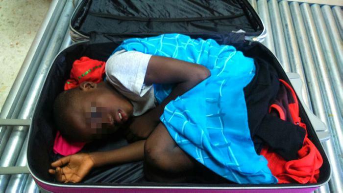 El niño que intentó cruzar en una maleta la frontera entre España y Marruecos