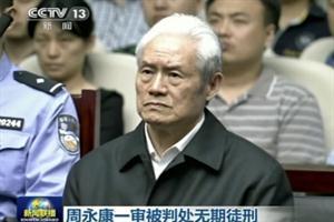 Le cantan cadena perpetua por ladrón a ex ministro chino
