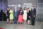 BHD-León entrega premios a tres damas valiosas