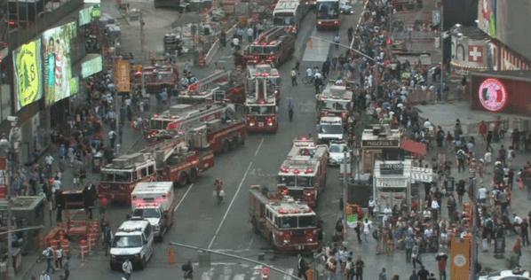 Evacuan rascacielos en Nueva York por amenaza de incendio