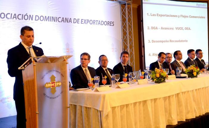 Aduana anuncia mesa permanente de trabajo ADOEXPO-ADOZONA para fortalecer despachos