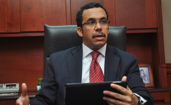 Canciller Andrés Navarro asegura no se deportará a un solo dominicano