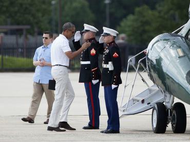 Obama cumple 54 años y lo celebra con amigos