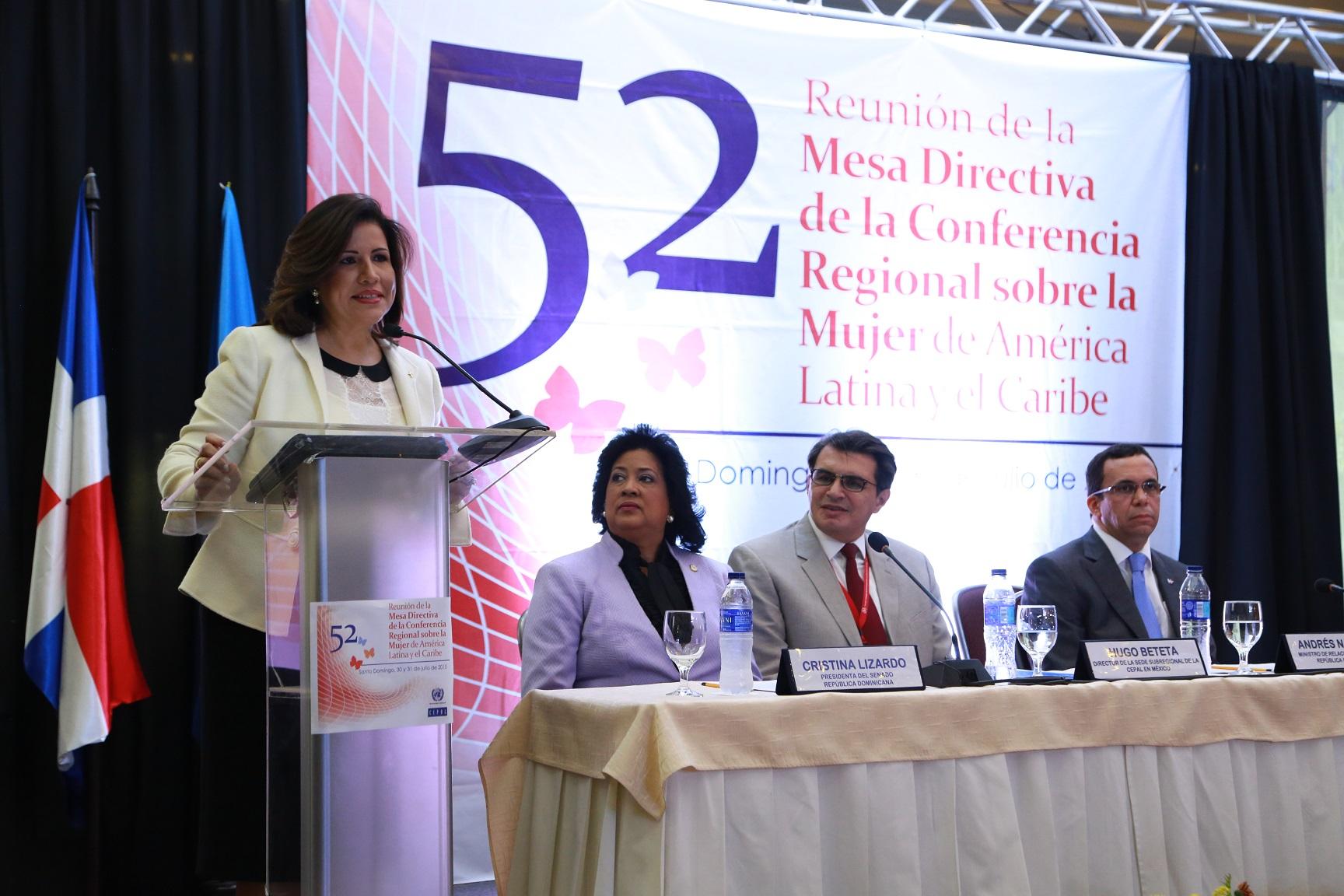 Vicepresidenta califica discriminación contra la mujer como generadora de pobreza