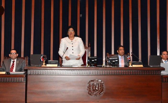 Cristina Lizardo rinde cuentas como presidenta del Senado