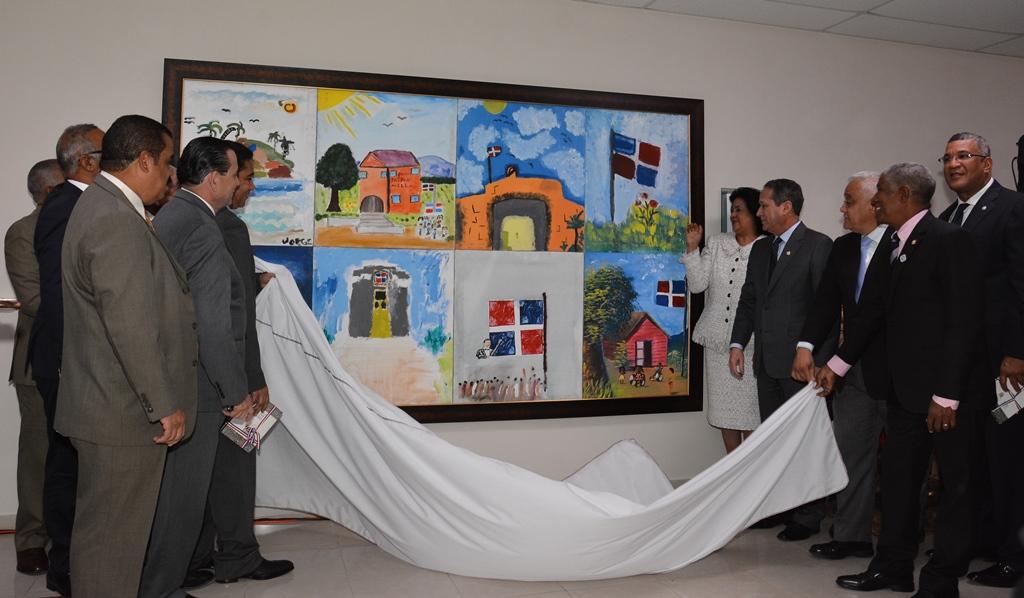 """Senado develiza mural de obras ganadoras primer concurso de """"Pintura Infantil Pinta tu Identidad con Esperanza y Dignidad"""""""