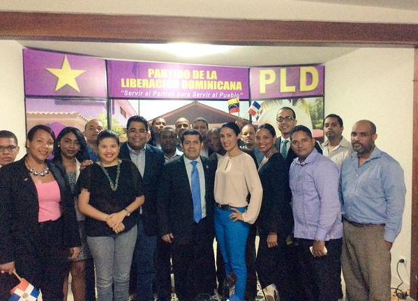 Juventud del PLD reconoce embajador de Venezuela