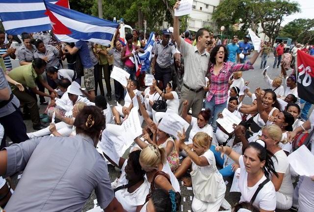 Cuba: disidentes denuncian arrestos durante actos del papa Francisco