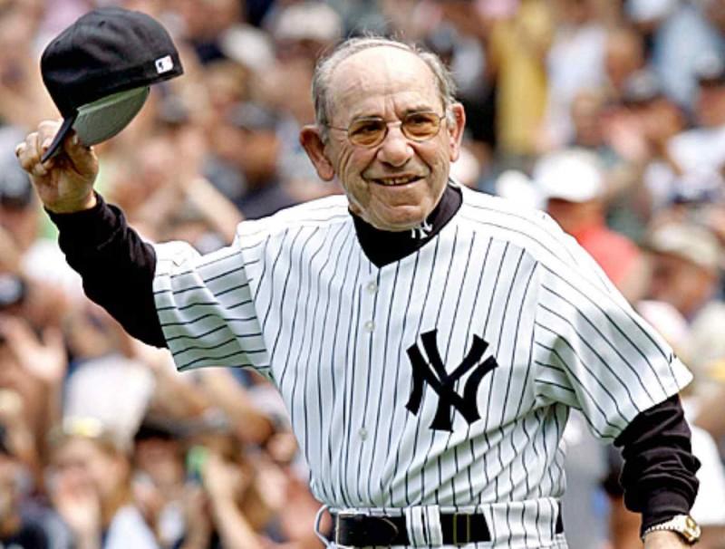 Muere Yogi Berra