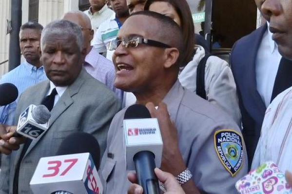 """Coronel de la Policía acusa a general de """"persecución en su contra"""""""