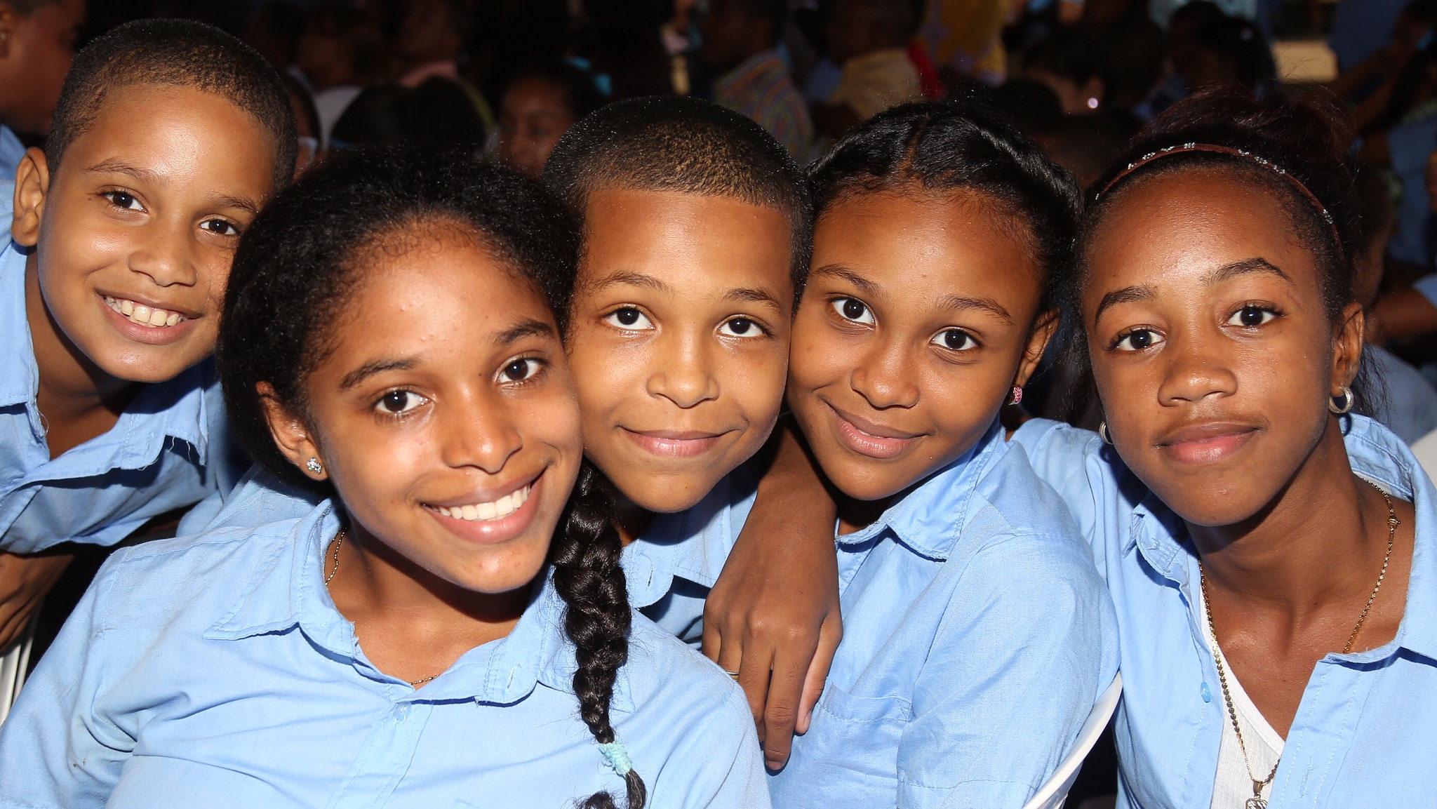 Medina inaugura otra escuela en el Libertador de Herrea