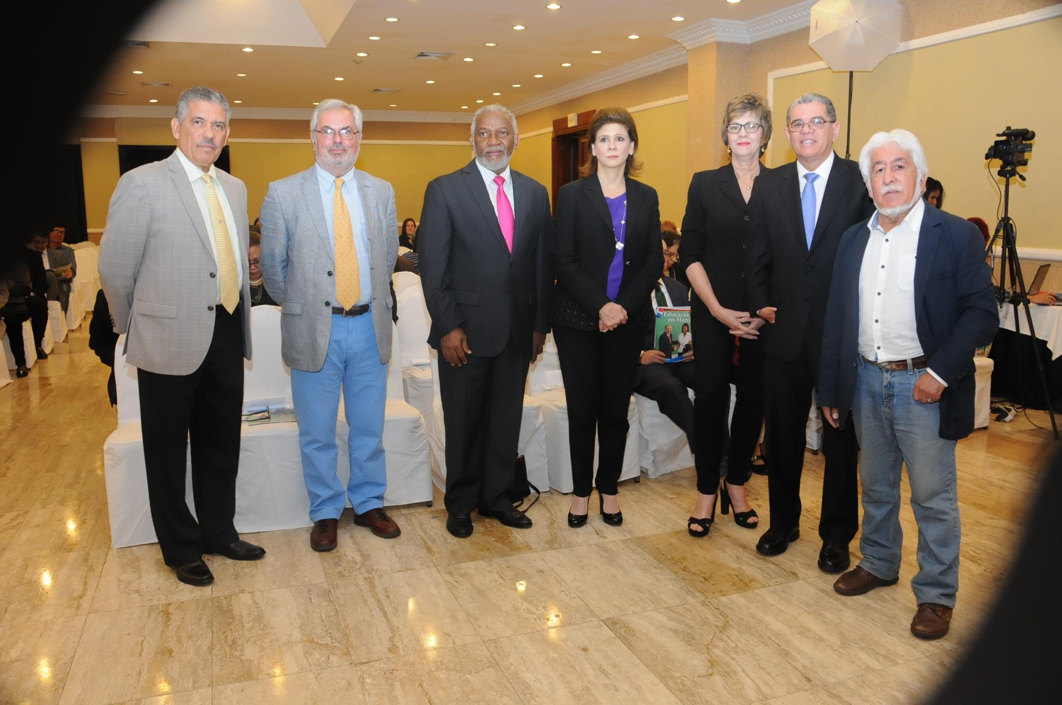Amarante Baret inaugura congreso internacional sobre calidad educativa