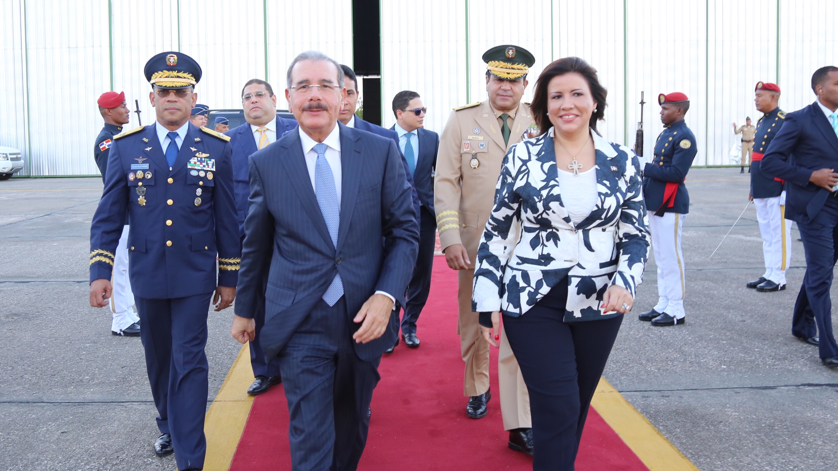 Danilo parte a Ecuador a participar en cumbre CELAC