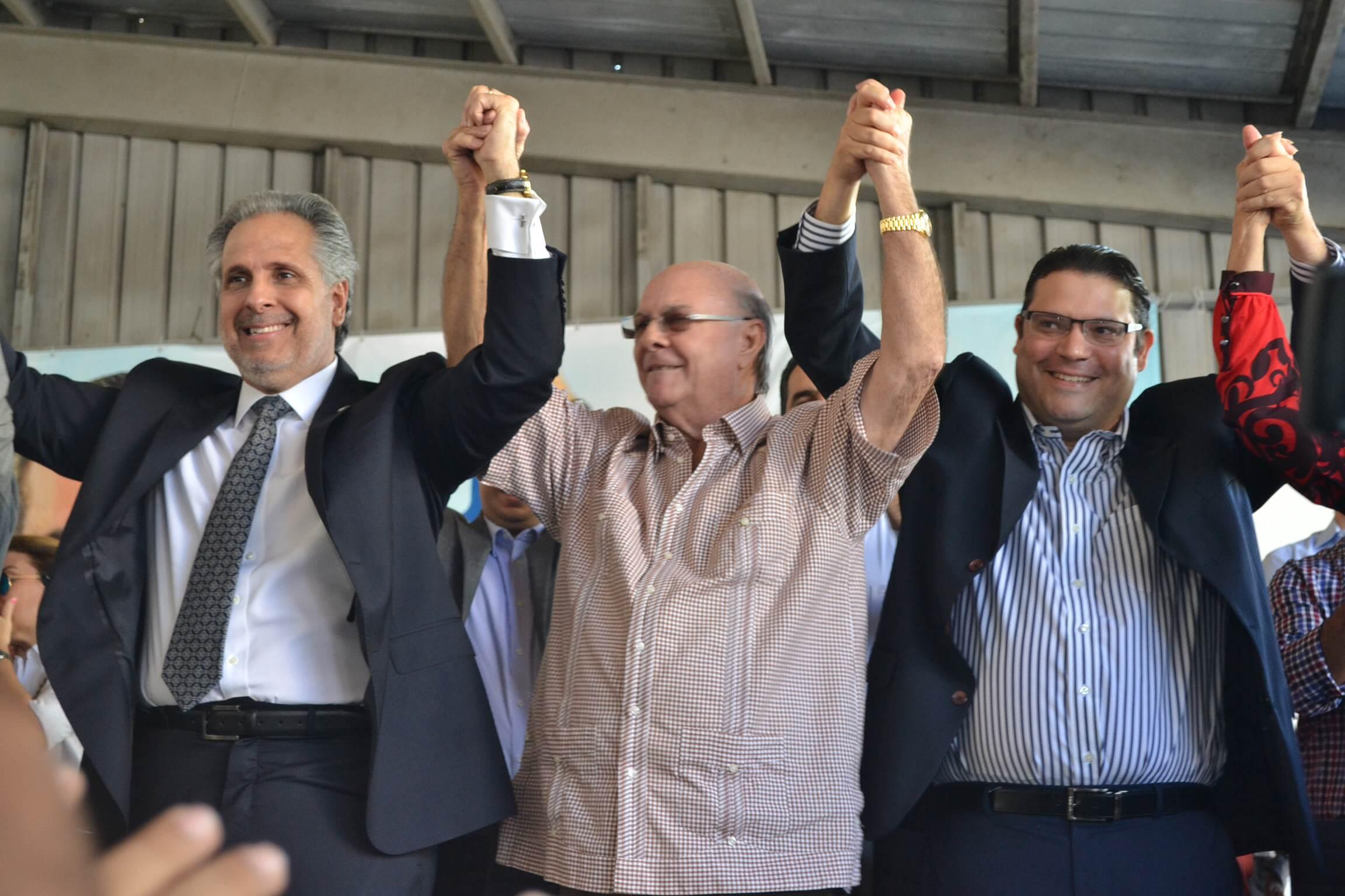 Eduardo Sanz Lovatón declina aspiraciones y apoya a Atallah