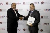 Cervecería dona más de 50 mil bandera a Efemérides Patrias