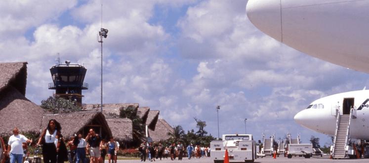Avión aterriza de emergencia en Punta Cana
