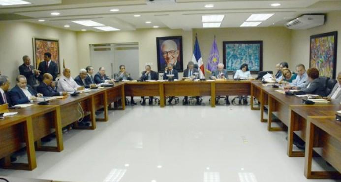 Inicia la reunión del Comité Político del PLD