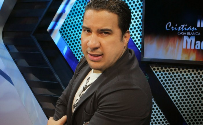 Cristian Casablanca se va en odio, y lanza insultos a comunicador