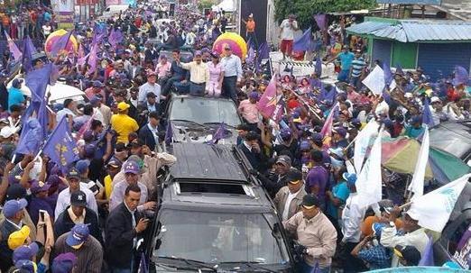En cierre de su campaña, Danilo Medina llama ciudadanos a no fragmentar el voto